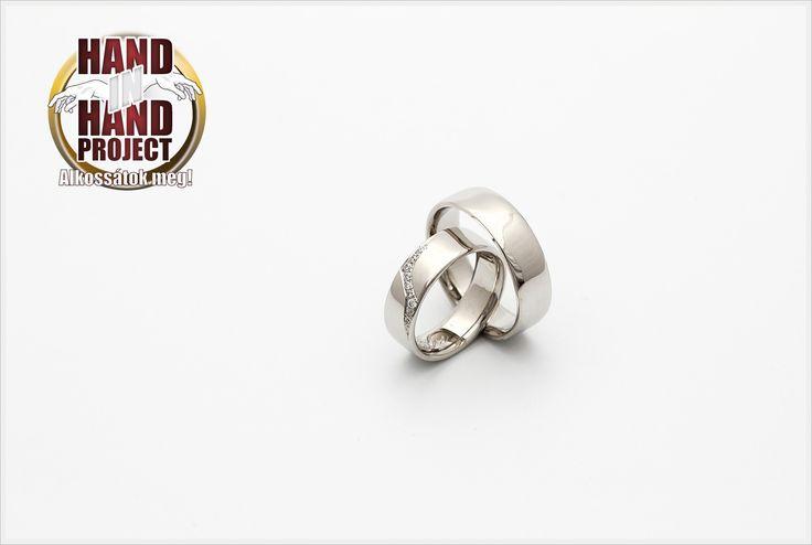 White gold wedding rings. (14-carat) | 14 karátos fehérarany jegygyűrűk. www.ekszergyar.hu/handinhand