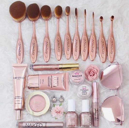 Rose Gold Everything - The Best Makeup Brushes to Add to Your Beauty Arsenal - Photos