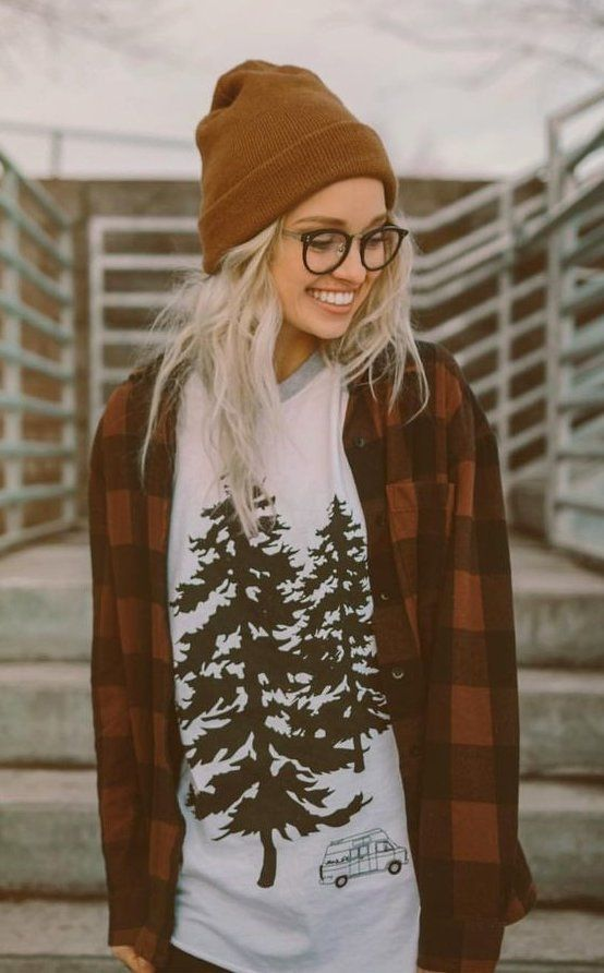 summer outfits  Brown Beanie + White Printed Top