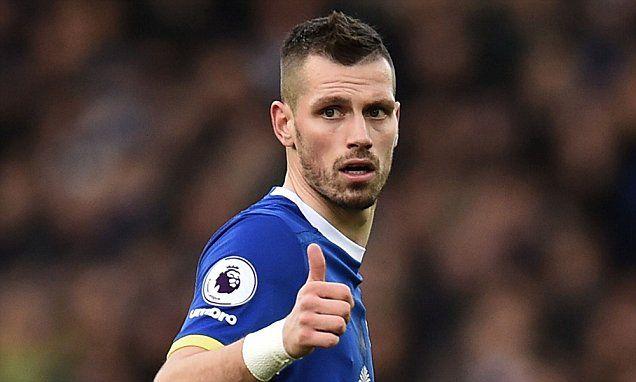 Everton v Leicester City: Team news