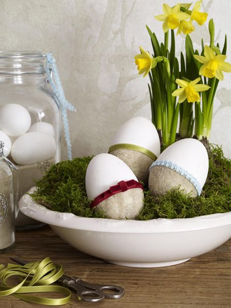 13 ideas how to decorate Easter eggs by using different techniques