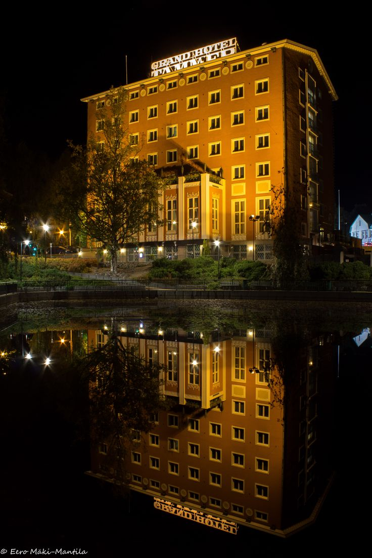 Grand Hotel Tammer is an old elegant hotel in Tampere, situated in the centre by a small pond. Recently it has been carefully renovated.