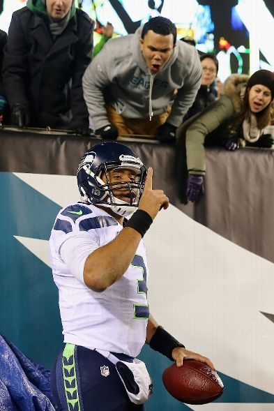 Eagles fans let Wilson hear it after he scores a TD. This is what a champion looks like losers!!!!