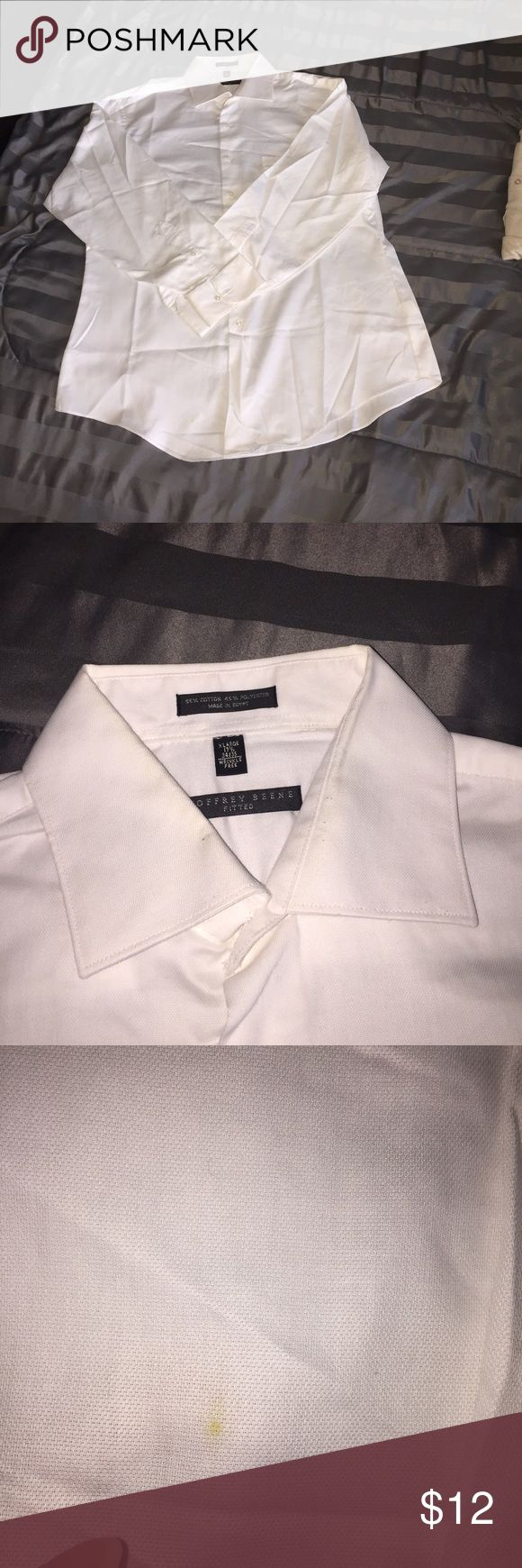 🔴3 FOR $20🔴FITTED GEOFFREY BEENE DRESS SHIRT XL NICE DRESS SHIRT.  ONLY FLAW IS ON THE BOTTOM WEAR IT IS TUCKED IN.  🔴GREAT DEALS AND HUGE SALE!  EVERYTHING $10 AND UNDER IS 4 FOR $10.  EVERYTHING $20 AND UNDER IS 3 FOR $20.  PLEASE FEEL FREE TO ASK QUESTIONS. 🔴 Geoffrey Beene Shirts Dress Shirts