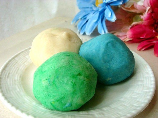 Scopri come preparare la pasta per modellare per i tuoi bambini in poco tempo e con ingredienti naturali