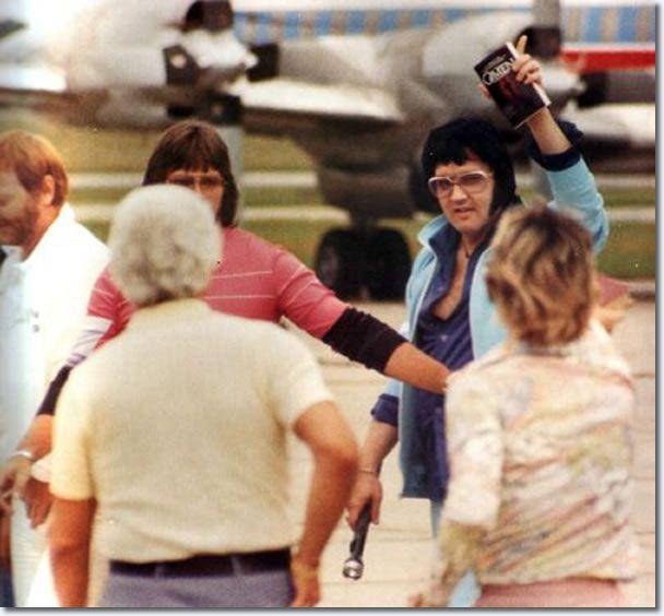 Resultado de imagem para elvis 1976