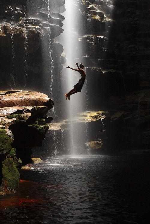 Imagen de jump, water, and waterfall