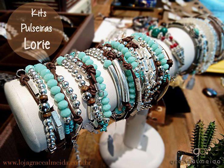 Acessórios que não podem faltar nas suas produções de inverno!! KIT PULSEIRAS LORIE Na loja virtual: www.lojagracealmeida.com.br