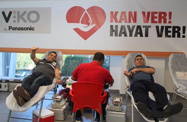 Dünya Sağlık Örgütü'ne göre en güvenilir kanın; kişinin özgür iradesiyle, hiçbir karşılık beklemeksizin, gönüllü, düzenli ve bilinçli olarak verdiği kan olduğu biliniyor. Ülkemizde güvenli ve gönüllü kan bağışlarının yetersiz olması nedeniyle ise kan ihtiyacı olan hasta ve yakınları birçok yaşamsal zorlukla karşılaşıyor. Gönüllülük konusunda örnek projelere imza atan VİKO ise her yıl çalışanlarının desteği ile …