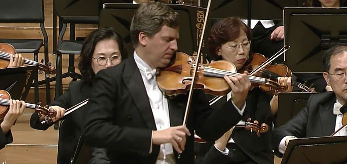 James Ehnes performing Shostakovich Violin Concerto No. 1 in A Minor - with conductor Yoel Levi and the KBS Symphony Orchestra.