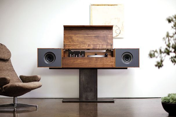 """Hommage an Mono-Musikanlagen der Fünfzigerjahre: """"Modern Record Console"""" von Symbol Audio. (Foto: Symbol Audio)"""