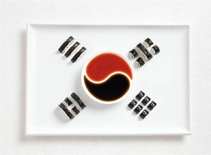 Coreia do Sul: gimbap (tipo de sushi coreano) e molhos.