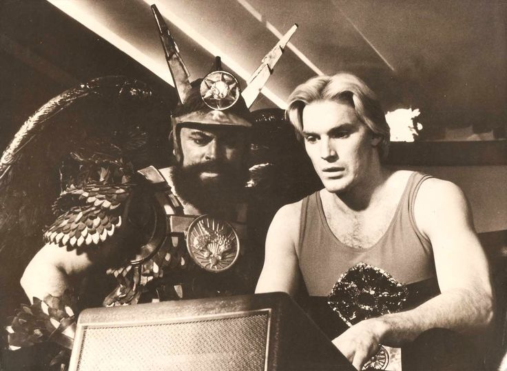 "Sam J Jones Brian Blessed in ""Flash Gordon"" Original Vintage Photo ..."