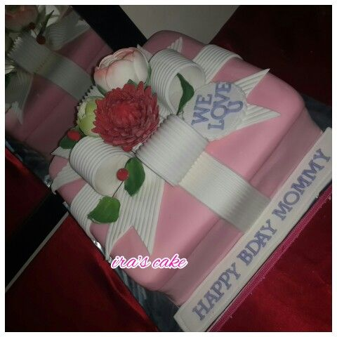 Romantic cake by ira's cake