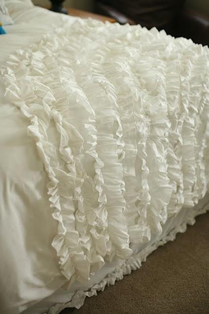 : Quick Tutorials, Ruffles Blankets, Urban Outfitters, Diy Ruffles, Ruffles Tutorials, Duvet Covers Tutorials, Ruffles Bedspreads, Ruffles Duvet, Ruffles Comforter
