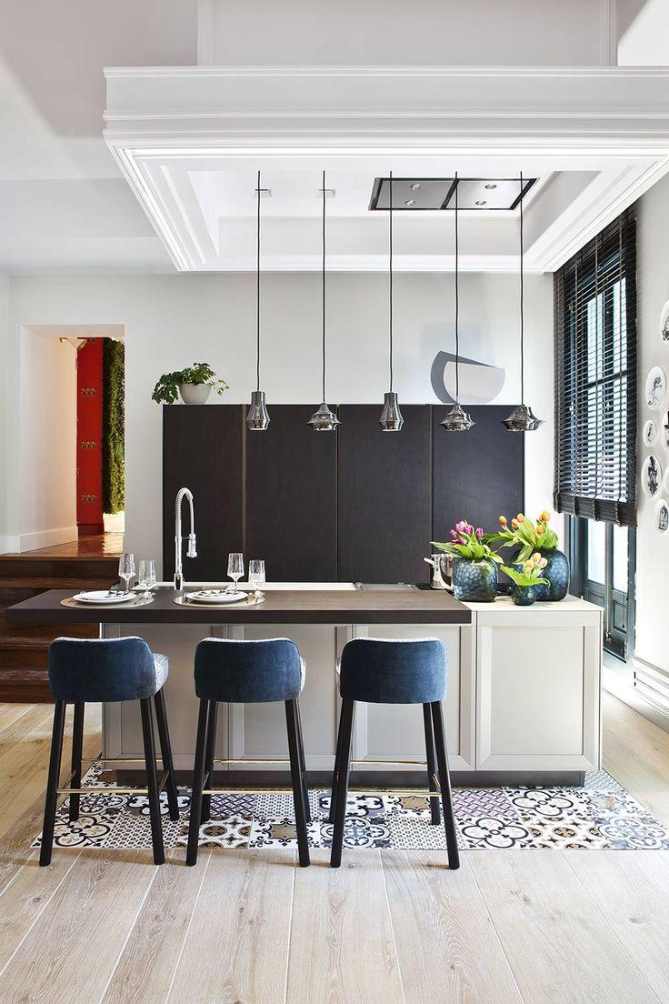 Las paletas de colores, bien diferenciadas en cada espacio, potencian mucho el contraste. #details #interiordesign #arquitectura #decoracion #interiorismo #deco #homedecor #decor #diseño