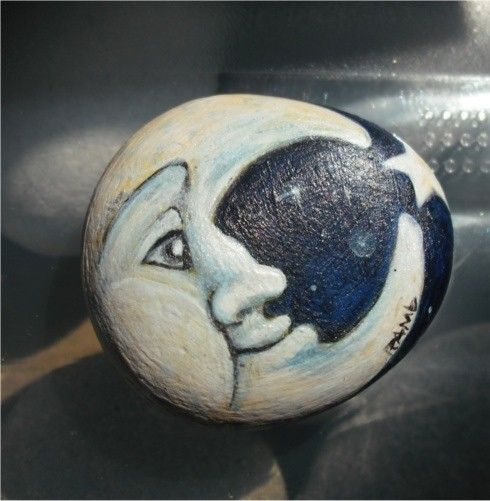 Would be neat to paint the moon with glow in the dark paint - On a large face rock and place in the garden...Rosi
