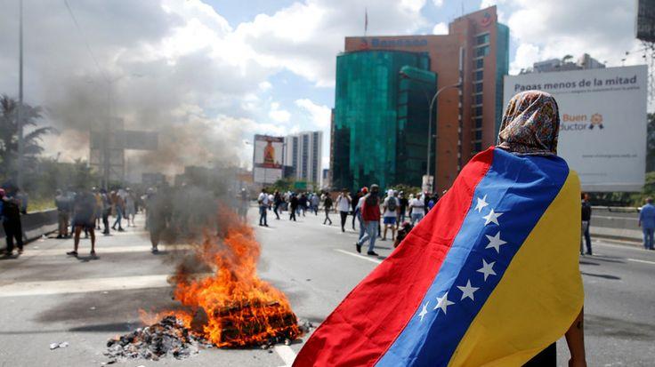 RT Deutsch im exklusiven Interview mit dem venezolanischen Außenhandelsminister Jesús Faría. Ein Gespräch über mediale Diffamierungskampagnen, eigene Fehler in der wirtschaftlichen Entwicklung, offene Destabilisierungsversuche der USA und die Auswirkungen der US-Präsidentschaftswahlen auf Lateinamerika.