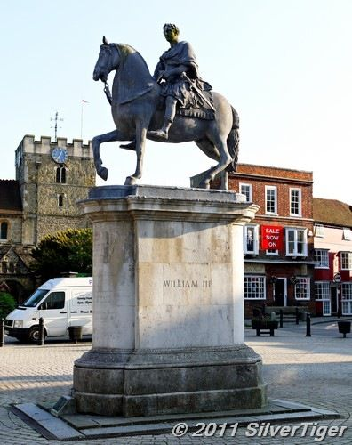 King William Statue, Petersfield Town Square
