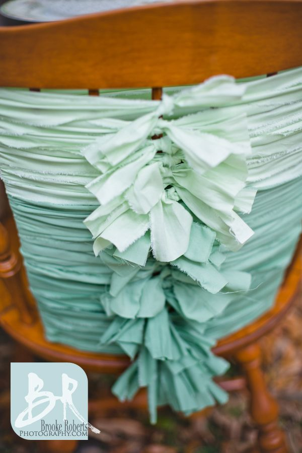 Ombre-wedding-reception-chairs-mint-green-peach-mismatched-ideas-outside-backyard