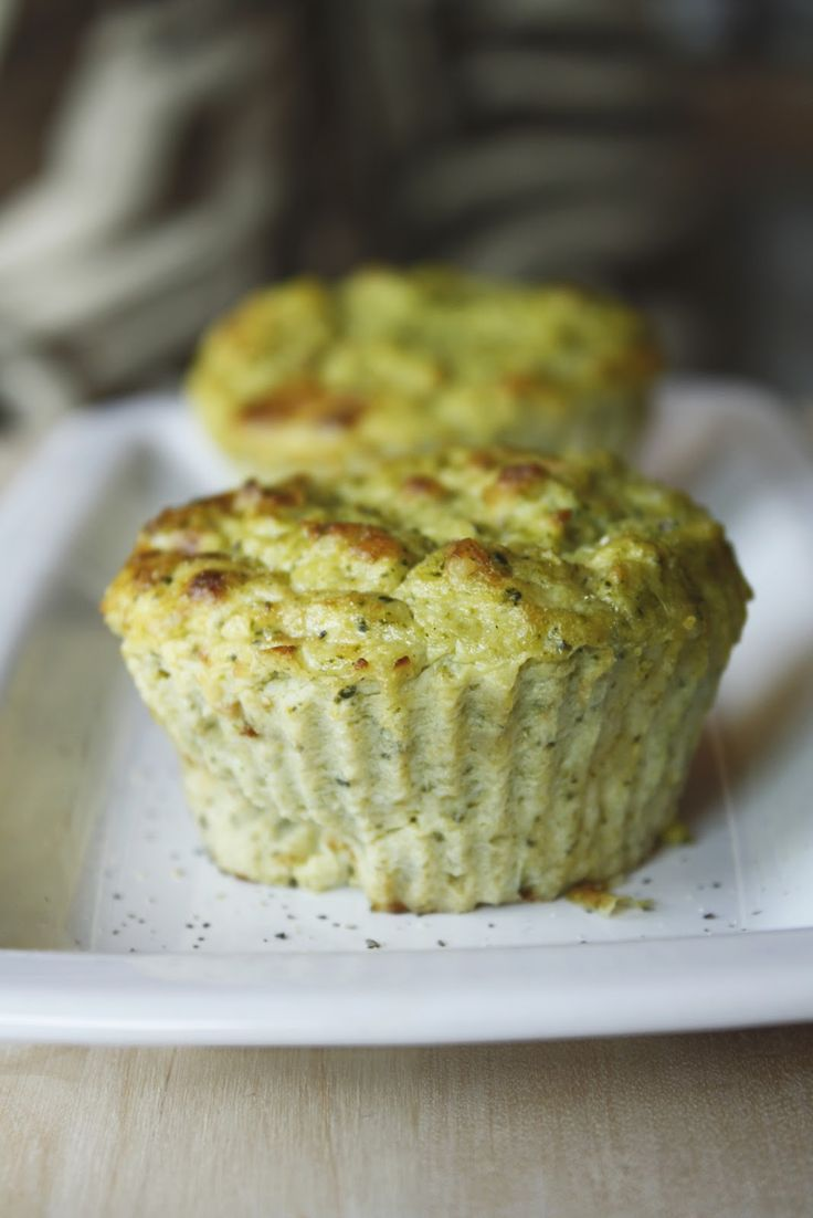 Questa è una ricetta che adoro: versatile, veloce, gustosa e (anche) abbastanza leggera, perfetta per qualsiasi occasione, dalla ...