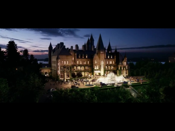 Scenes From New Gatsby Movie Gatsby House At Night