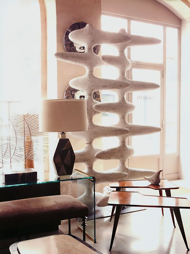 loving this sculptural interior #eclectic #vintage #interiors from arkpad rev 0950