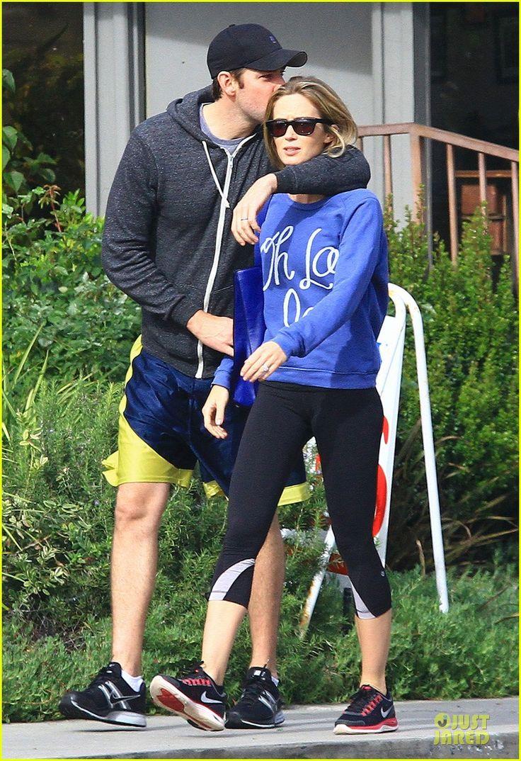 Emily Blunt & John Krasinski: Lemonade Kissing Couple!