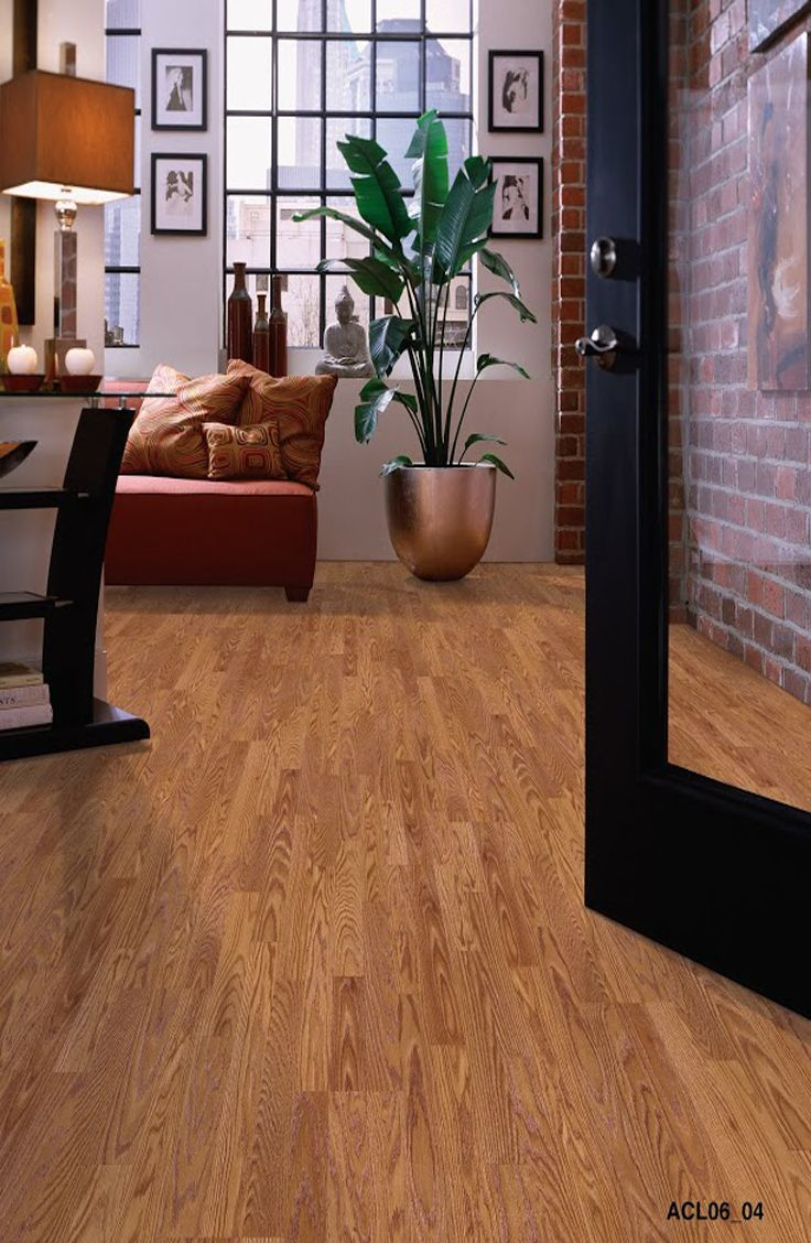 Durable And Scratch Resistant Laminate Flooring Is Perfect For High Traffic Areas S