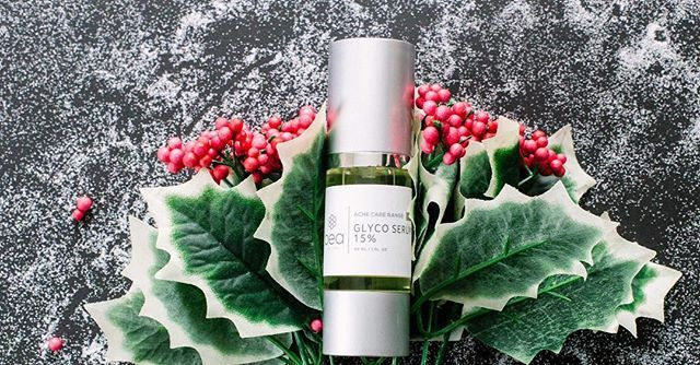 🎄It's day three of our 12 Days of Christmas savings, and up for grabs is the Glyco Serum 15%! Order yours today to save 20% on this potent skin resurfacer, ideal for those with oily and breakout-prone skin. With calming green tea, this serum works on sensitive skin, removes dead skin cells, unclogs pores, accelerates skin cell turnover, stimulates collagen production and with regular use, reveals fresher, smoother skin🎄…