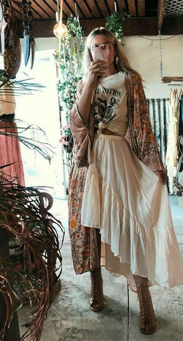 Hippie Style Women Dress In 2020 Hippie Chic Outfits Boho Outfits Hippie Outfits