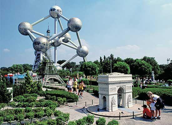De Big Ben en de toren van Pisa in één stad?Ontdek Europa in het klein in Brussel. #Europa #tip #vakantie