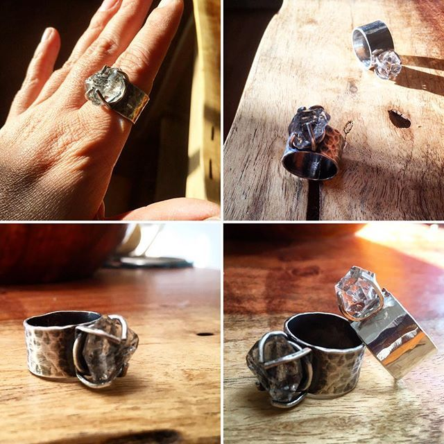The ring is ready, and I make one version with dark patina. ✨💍 #heliconiajewelry  #recycledsilverjewelry #metalsmith #organicjewelry #herkimerring #quarzring #rusticstyle #bohojewels #boldrings #etsyshop #etsyjewelry #jewelryaddict #jewelryforsale #jewelrydesigner #prongset #handmadejewelry #makingprongs #madebyhand #santafeartist #santafejeweler #madeinnewmexico #newmexicotrue #simplysantafe
