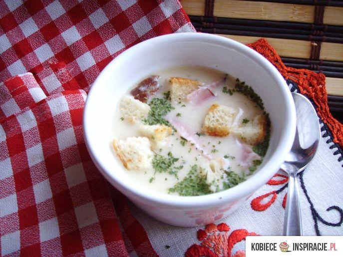 Zupa krem cebulowo-serowa z grzankami i bekonem. - Kobieceinspiracje.pl