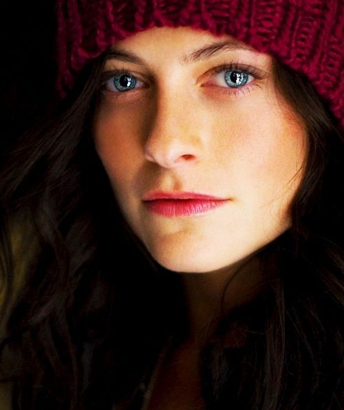 Lara Pulver - Irene Adler...i think she is much prettier like this