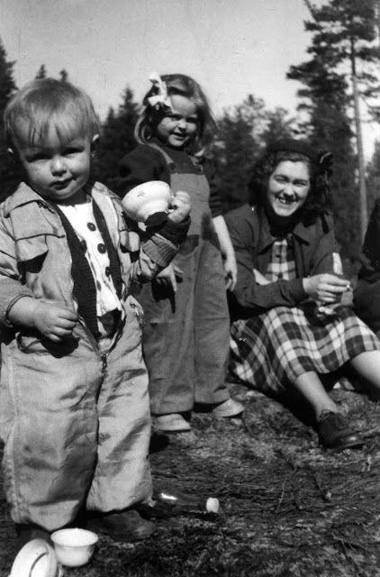 Eva Swedenmarks Värld: Vi ska hämta min lillebror på BB