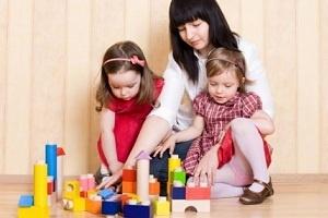 ¿Cómo encontrar una niñera de confianza? - http://www.efeblog.com/como-encontrar-una-ninera-de-confianza-8850/