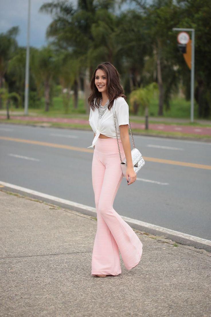 calca-de-bandage-acetinada-rose_4.jpeg 852×1.280 pixels | Modelos de calças femininas, Looks, Look calça flare