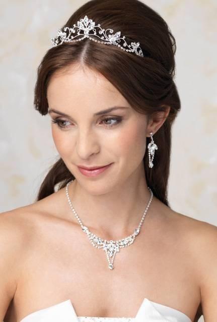 Bride's bouffant half updo bridal hair ideas Toni Kami Wedding Hairstyles ♥ ❶ Swarovski tiara wedding hairstyle