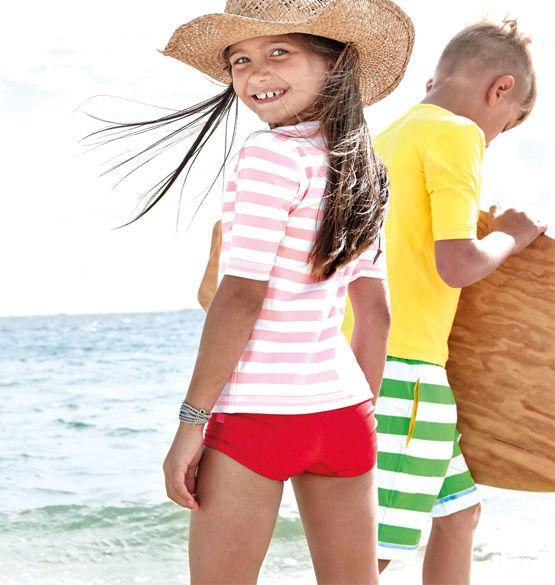 www.beach-heroes.com #uv schutzkleidung kinder #beach wear kids #sun protective beach wear #uv protection #surf wear kids #rash guard kids