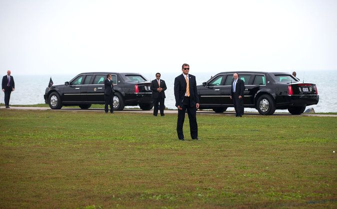 Oct 3, 2014 DOUG MILLS/THE NEW YORK TIMES Members of the Secret Service waiting for President Obama in Evanston, Ill., on Thursday. Several breaches in security have rocked the agency recently.