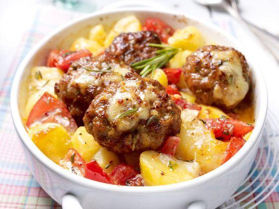Frikadellengratin mit Knoblauchkartoffeln Rezept