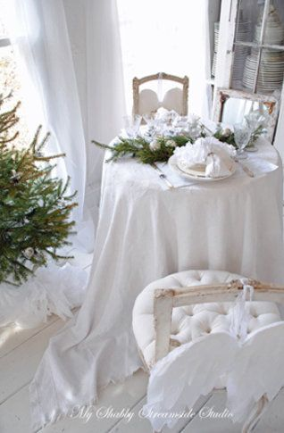 Beautiful Shabby Christmas Decor