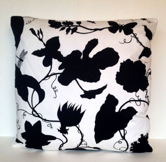 17 Best images about Toile Pillows on Pinterest Throw pillows, Toile and Oriental