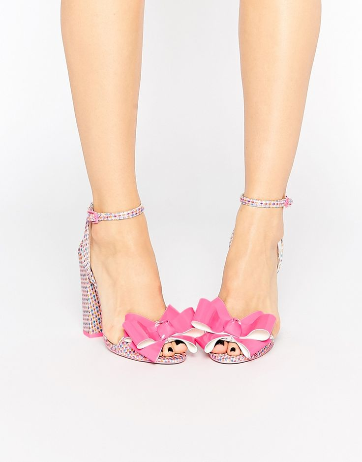 Being a princess starts with your feet <3