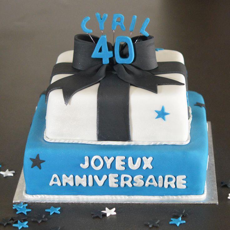 Gâteau anniversaire homme 40 ans bleu et blanc nœud noir