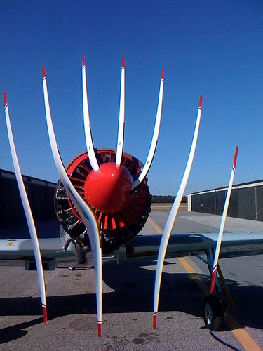 Airplane Prop + CMOS Rolling Shutter = WTF by sorenragsdale, via Flickr