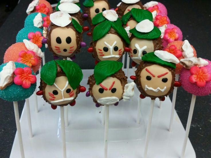Moana themed Kakamora Cake pops (inspiration by Bella's Bakery)