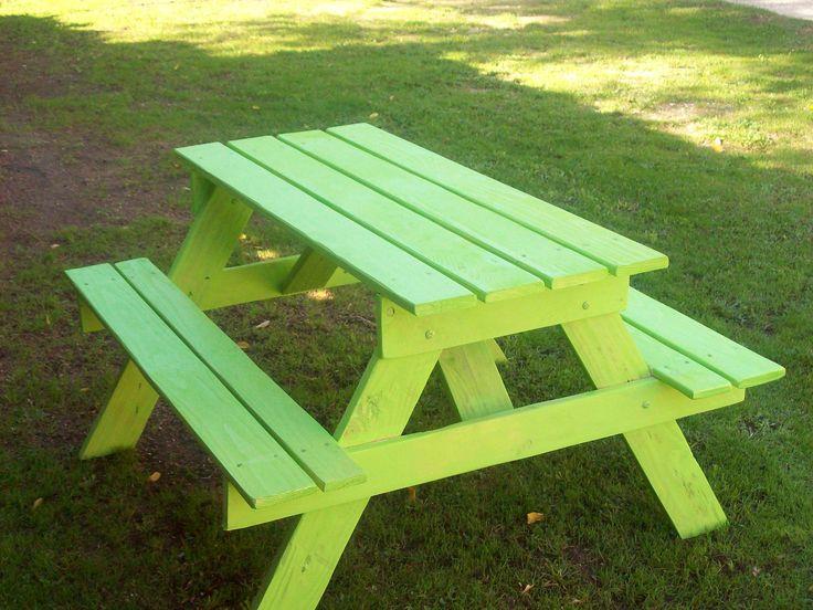 25 unique pallet picnic tables ideas on pinterest for Pallet picnic table plans
