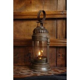 ANTIEKE LANTAARN  Primitieve Franse lantaarn uit begin 19e eeuw.